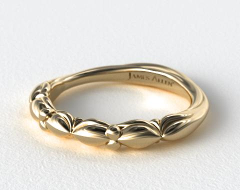 18K Yellow Gold Twisted Four Prong Ribbon Wedding Ring